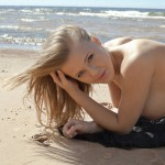 jovencita_tetona_desnuda059